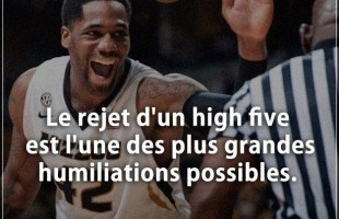 Blague humour : Le rejet d'un high five est l'une des plus grandes humiliations possibles.